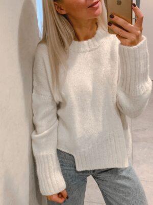 sweater m16